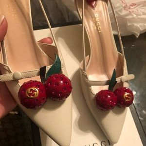 Authentic Gucci leather cherry pumps brand new